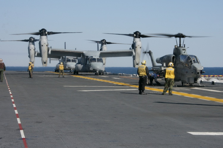 Image: Two MV-22B Ospreys, and an AH-1W Super Cobra
